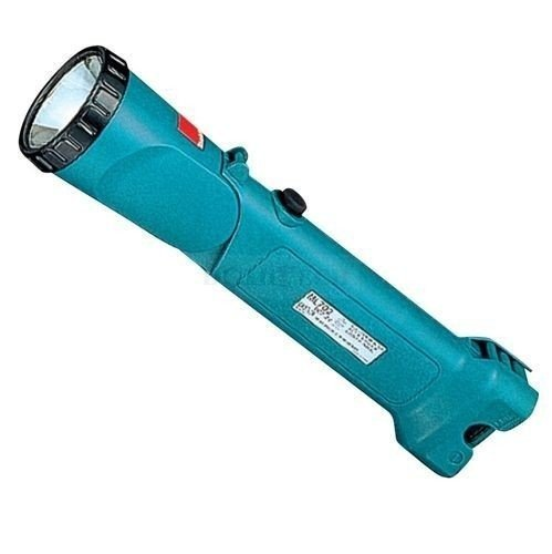 Makita ML902 latarka akumulatorowa